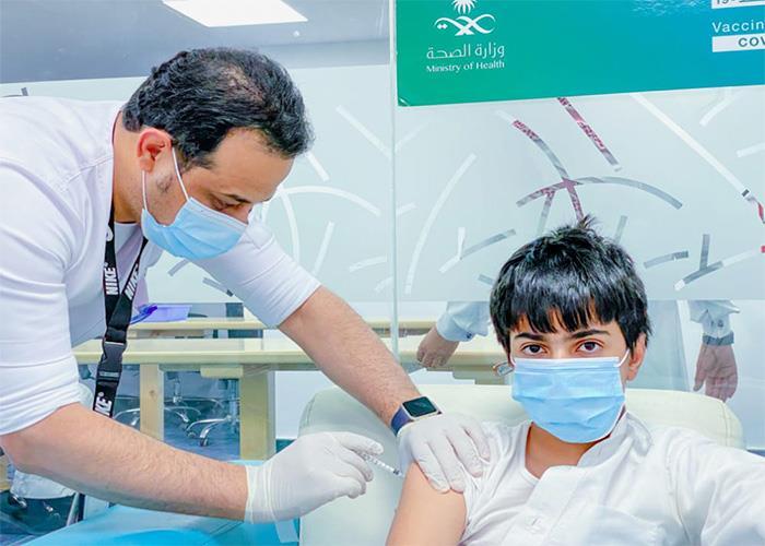 """""""الصحة"""": تم حجز مواعيد الجرعة الأولى للطلاب الفئة العمرية 12- 18 عامًا مسبقاً"""