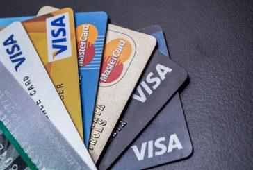 السعوديون ينفقون 50% أكثر بالبطاقات الائتمانية وتحذير من تحول النفقات لديون يصعب سدادها