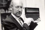 وفاة مخترع الآلة الحاسبة والكمبيوترات رخيصة الثمن عن عمر يناهز 81 عامًا