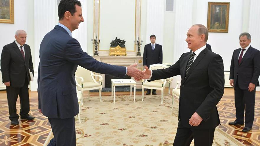 """""""بوتين"""" يعزل نفسه إثر إصابة مقربين منه بـ""""كورونا"""" بعد لقائه بشار الأسد"""