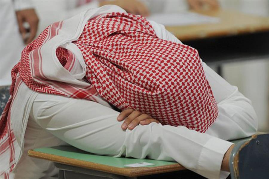 طلاب يعانون من اضطرابات النوم مع العودة للمدارس ومختص يوصي بهذه الحلول