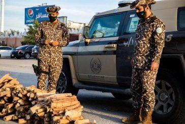 القوات الخاصة للأمن البيئي تضبط مخالفًا لنظام البيئة بحوزته 49.5 مترا مكعبا من الحطب المحلي بمدينة الرياض