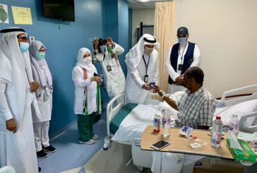 مستشفى شرق جدة يحتفي باليوم الوطني السعودي ٩١ بزيارة المرضى المنومين والموظفين المكلفين