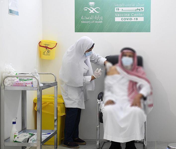 ارتفاع عدد جرعات لقاح كورونا إلى 37.2 مليون و15 مليون شخص تلقوا جرعتين