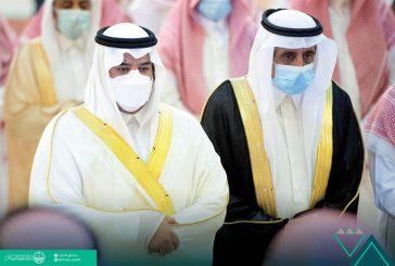 أمير الرياض بالنيابة يؤدي صلاة الميت على الأمير عبدالرحمن بن ناصر