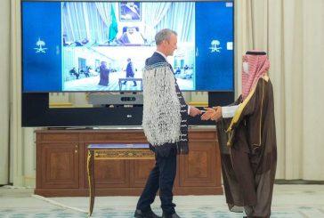 سفير نيوزيلاندا يروي قصة الزي الذي ارتداه أثناء تقديم أوراق اعتماده لدى المملكة